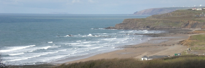 Sun_sea_and_surf_at_Widemouth_Bay_655